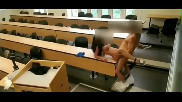 Sexo na escola com safada